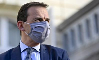 """Wouter Beke bevestigt versnelling in vaccinaties: """"Uitnodigingen voor 85-plussers gaan nu al de deur uit"""""""