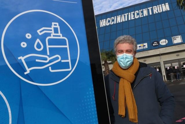 Brusselse minister vraagt collega's geen vaccin-voorrang te geven aan mensen met onderliggende aandoeningen