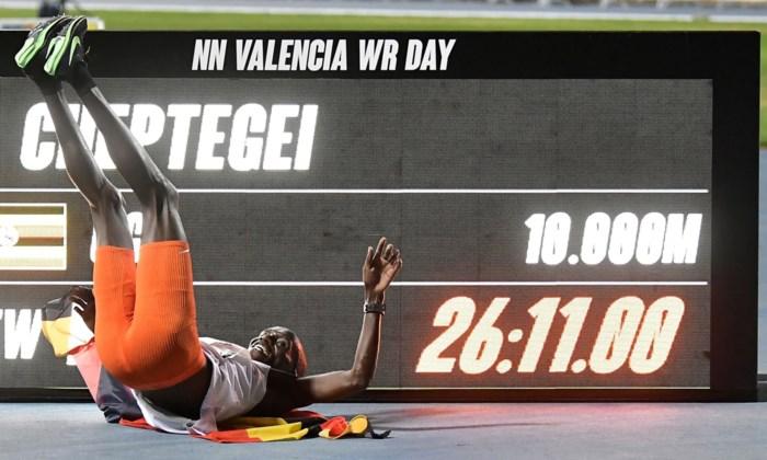 Wanneer spikes meespelen in de medaillestrijd: ook Nafi Thiam is proefkonijn in de 'wondersloffenoorlog' op het EK indooratletiek