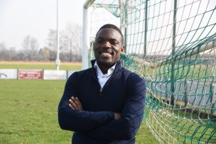 """Valentin (26) schrijft mee aan plan van Voetbalbond: """"Samen kunnen we racisme en discriminatie van het veld bannen""""<BR />"""