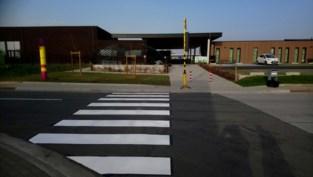 Na 15 jaar eindelijk een zebrapad aan basisschool in Brustem