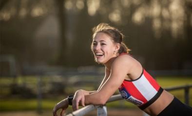 """Rani Rosius, de nieuwe (wervel)wind van de Belgische atletiek, staat voor eerste grote kampioenschap: """"Als ik stress heb, babbel ik nóg meer"""""""
