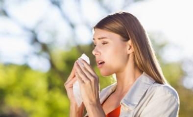 Last van hooikoorts of toch het coronavirus opgelopen? Zo herken je het verschil