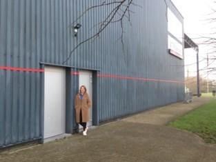 Rode strepen op openbare gebouwen wijzen op gevaar van stijging zeespiegel <BR />