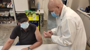 Hulpverleners van CAW krijgen coronaprikje met 'restdosissen'