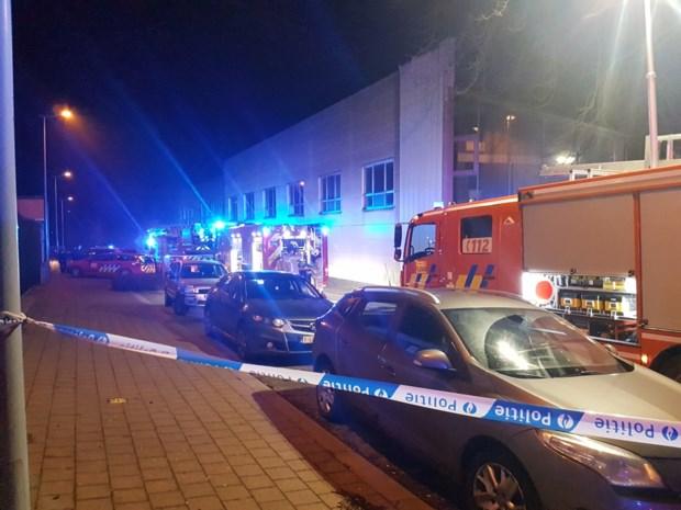 Aangestoken brand in leegstaande textielfabriek Lys Yarns in centrum Zulte