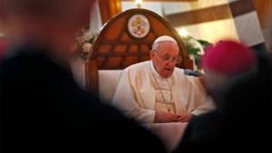 """Paus haalt uit naar """"waanzinnige barbaarsheid"""" van Islamitische Staat"""