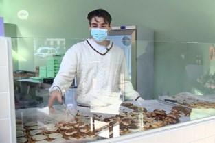Nieuwe pop-up aan Oudaan verkoopt kaneelbroodjes
