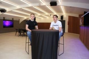 Tweelingbroers openen eventlocatie The Room