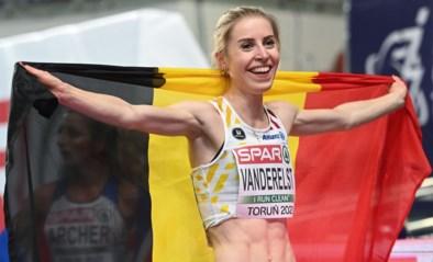 """Wie is Elise Vanderelst (23), de Europese indoorkampioene 1.500m: """"Ik heb geleerd dat ik niet minder waard ben als ik eens flater in een wedstrijd"""""""