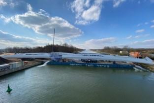 Stalen 'bouwpakket' voor nieuwe kanaalbrug gearriveerd in Oelegem