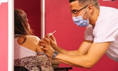 Groot-Brittannië besmet gezonde vrijwilligers met coronavirus