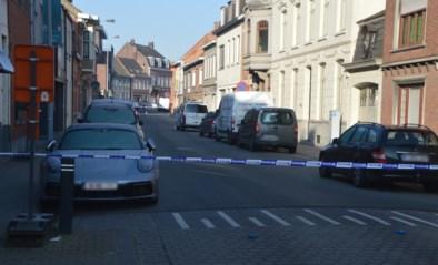 Buren zien bloedende man (33) in elkaar zakken: slachtoffer overleden na steekpartij in Tielt