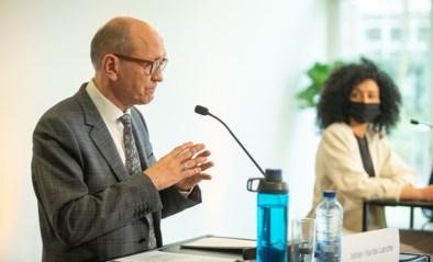 """Klacht tegen VRT over persconferentie Sihame El Kaouakibi: """"Anderhalf uur ongefilterde zendtijd"""""""