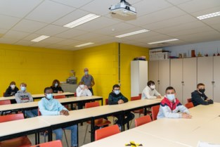 """Aantal besmettingen in Gentse scholen blijft op hoog plateau: """"Ze volgen rest van maatschappij, maar met vertraging"""""""