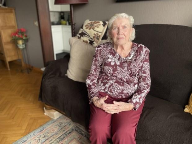 """Philomena (86) lag negen weken in ziekenhuis, maar versloeg corona: """"Trots? Zorgpersoneel verricht échte mirakels"""""""