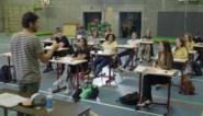 """Ervaring niet nodig voor BV's, """"pittige leerlingen"""" gezocht en (bijna) alles kan: achter de schermen bij 'De klas'"""