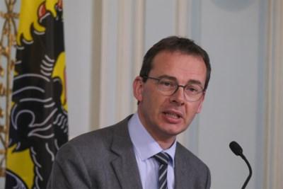 "Minister Wouter Beke schiet terug na kritiek op vaccinatiecampagne: ""Ons huiswerk is af"""