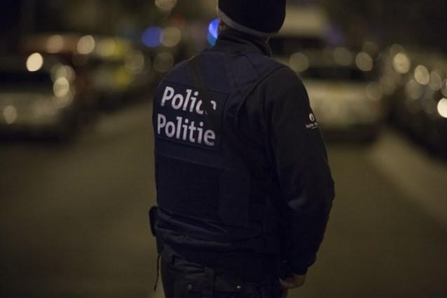 Een van de grootste acties tegen georganiseerde misdaad ooit in ons land: 1.500 agenten vallen binnen op 200 plaatsen