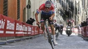 """Mathieu van der Poel wil in Tirreno-Adriatico vooral een rit winnen: """"Ik heb niet echt klassementsambities"""""""
