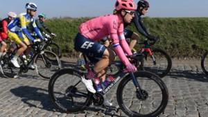 """Tien jaar geleden won hij de Omloop, in de Strade Bianche eindigde Sebastian Langeveld allerlaatste: """"Wist jij dat je buiten tijd kon aankomen?"""""""