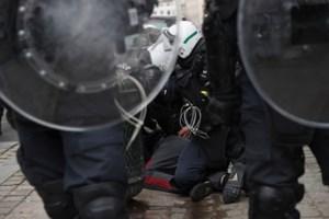 Betoging tegen klassenjustitie: CollectieMve strafklacht tegen politieoptreden in Brussel