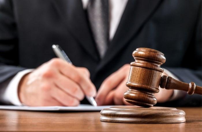 """Taxichauffeur zet zwartrijder op zijn plaats in rechtbank: """"Als je niet kan betalen, neem dan geen taxi en verzin geen onzin"""""""
