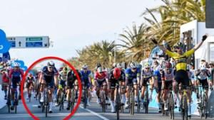 Zo snel ging het bij zege van Wout van Aert: Tim Merlier pas zesde ondanks sprint aan 77 km/u...