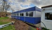 Extra lokalen en sanitair in afwachting van nieuw schoolgebouw