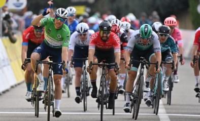 Sam Bennett wint spektakelloze vijfde etappe van Parijs-Nice na massasprint