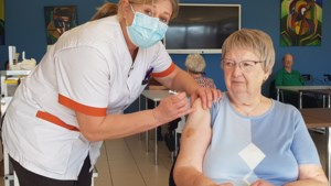 """Bijna alle bewoners van serviceflats De Oase zijn ingeënt: """"We hebben vaccinatiegraad van 98 procent"""""""