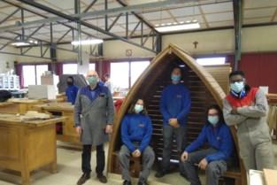 Zesdejaars houtbewerking bouwen rusthuisjes voor Sint-Michielsschool
