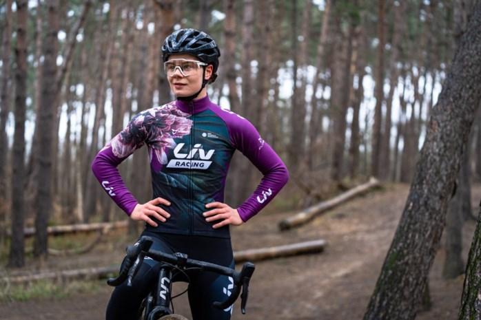 """Lotte Kopecky staat op scherp: """"Hopen op sprint met een uitgedunde groep"""""""