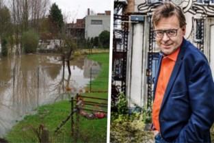 Tuinen staan om de haverklap onder water, maar pompstation komt er (voorlopig) niet na ingreep van kunstenaar Wim Delvoye