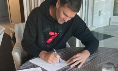 """American Football-legende Tom Brady (44) verlengt contract bij Buccaneers: """"Op zoek naar nummer acht"""""""