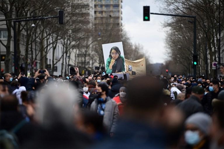 Stille tocht in Parijs voor meisje (14) dat in Seine werd gedumpt door schoolgenoten