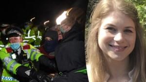 """Politie treedt hard op tijdens wake voor vermoorde vrouw in Londen: """"Sommige beelden zijn schokkend"""""""