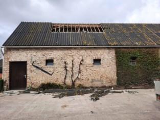 Alweer twintig oproepen voor stormschade, fikse schade aan dak loods