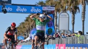 Net niet voor Jan Bakelants en Brent Van Moer: Mads Würtz Schmidt wint zesde rit in Tirreno-Adriatico