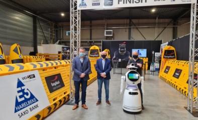 Robot vervangt bloemenmeisje, extra finishbescherming voor renners: E3 lanceert twee wereldprimeurs