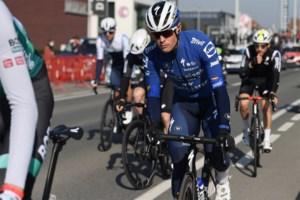 """Stijn Steels staat herboren Mark Cavendish bij: """"Ik ben zeker dat hij binnenkort weer een koers wint"""""""