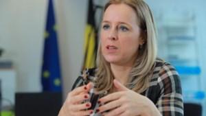 Staatssecretaris De Bleeker: 'Nog tien jaar de broekriem aanhalen'