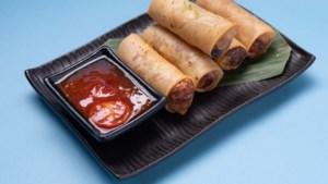 Niet dippen, maar smeren: zo eten echte Thai loempia's