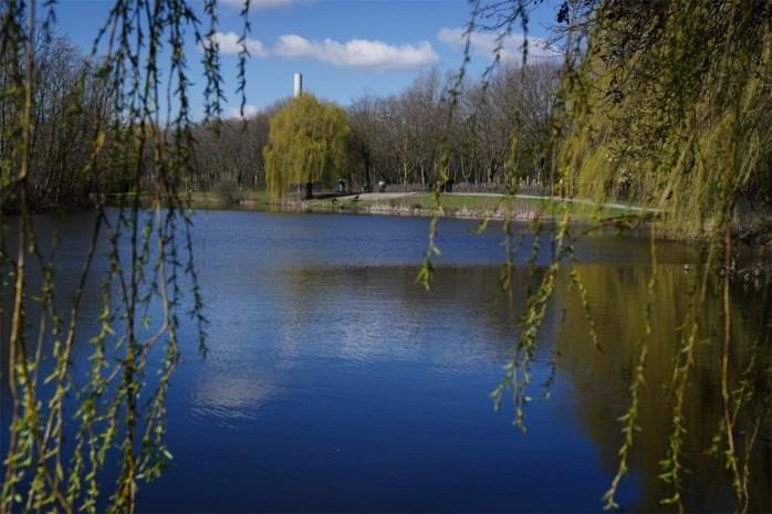 """Plannen voor fietssnelweg door populair park: """"Wij willen rustig kunnen wandelen"""""""