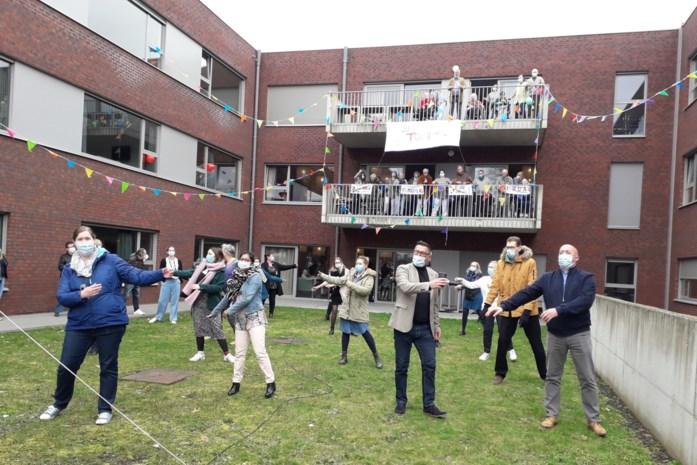 Zorgverleners Sint-Lenaartshof kunnen eindelijk nog eens feestje bouwen