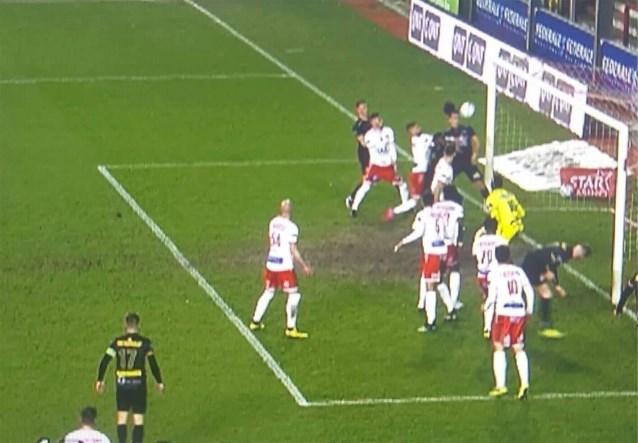 """Refereeing Department: """"Doelpunt Oostende terecht afgekeurd, ook rode kaart voor Damien Marcq was terecht"""""""