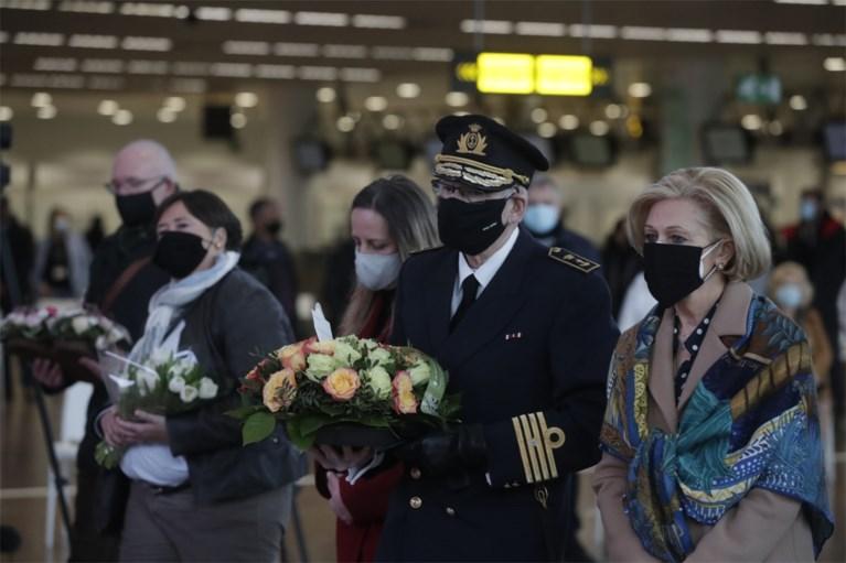 Vijf jaar na de aanslagen: ingetogen herdenkingsmomenten op Brussels Airport en in metrostation Maalbeek