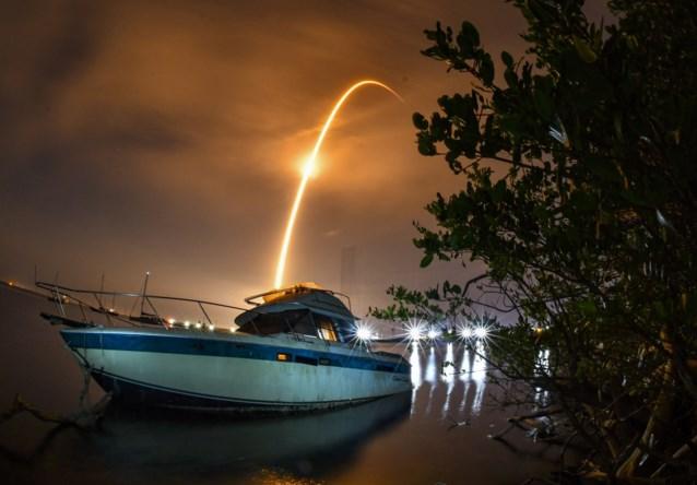 SpaceX lanceert succesvol nieuw pakket Starlink-satellieten