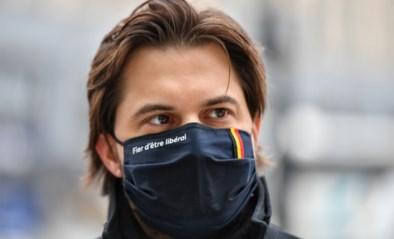 """Georges-Louis Bouchez is opvallende deelnemer aan autowedstrijd VW Fun Cup: """"Een idee van mijn chauffeur"""""""