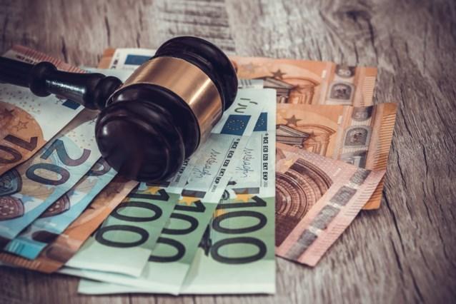 Belgische Staat moet ontslagen vrouw schadevergoeding betalen door fout in wet